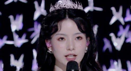 希林娜 陈卓璇抢希林娜依·高台词时,谁注意学员们表情比宫斗戏还精彩